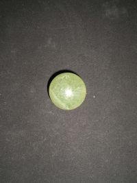 Шар магический из зеленого флюорита  №10  41 мм