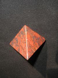 Магическая пирамида из яшмы 5*5 см