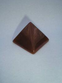 Магическая пирамида из природного сердолика малая 4*4 см