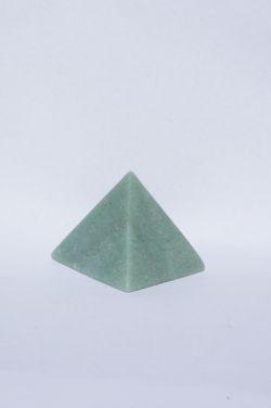 Магическая пирамида из зеленого авантюрина 5*5 см