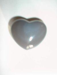 Сердечко из голубого агата. (Совиный глаз). Талисман на привлечение любви и полезных знакомств.