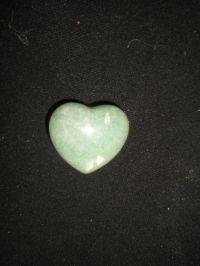 Сердечко из зеленого авантюрина. Талисман на привлечение любви.